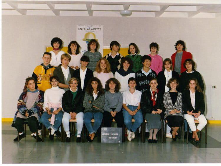 photo de classe terminale a1 a2 de 1987 lyc 233 e porte de normandie copains d avant