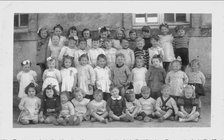 Photo de classe classe enfantine de 1950 ecole notre dame saint sauveur le vicomte copains - Piscine saint sauveur le vicomte ...