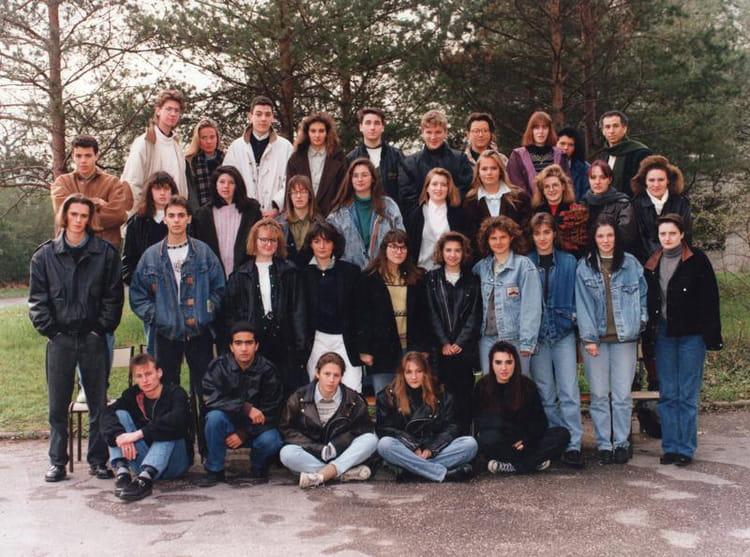 Photo de classe terminale b de 1992 lycee st romain en - Piscine st romain en gal ...