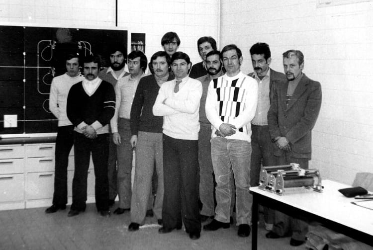 photo de classe stage delectricit233 de 1980 ecole