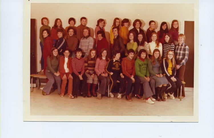 photo de classe 4 u00e8me de 1975  lyc u00e9e jules renard