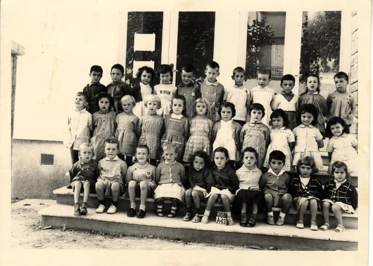 photo de classe maternelle gs 1961 1962 de 1962 ecole groupe scolaire jean mace gueret. Black Bedroom Furniture Sets. Home Design Ideas