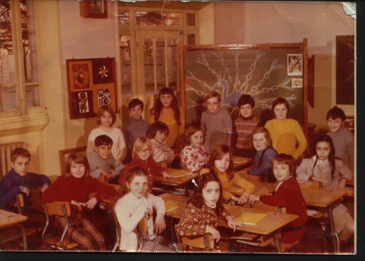 Photo de classe cm2 de 1974 ecole maison blanche for Creche maison blanche reims