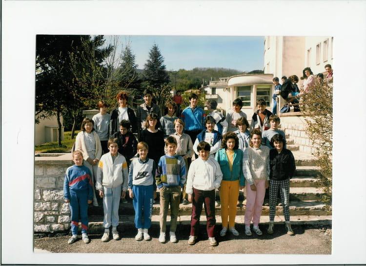 photo de classe classe de 5 2 de 1986 coll ge andr chamson copains d 39 avant. Black Bedroom Furniture Sets. Home Design Ideas