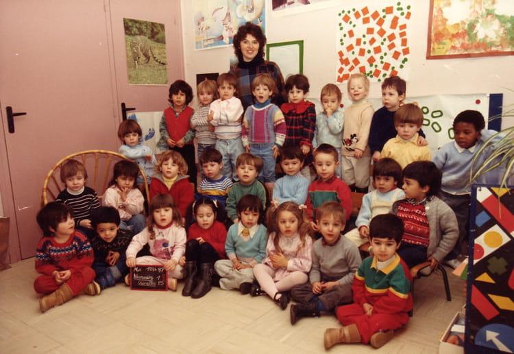 photo de classe petite section de 1986 ecole les cherelles nemours copains d 39 avant. Black Bedroom Furniture Sets. Home Design Ideas