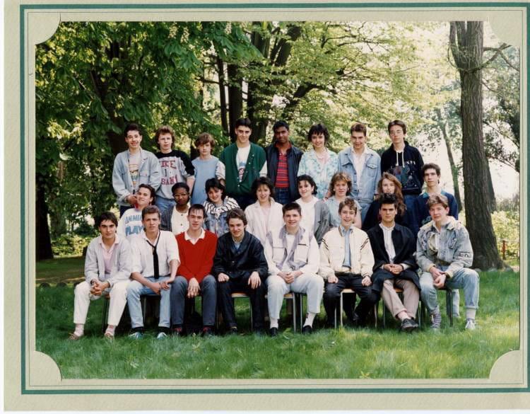 photo de classe 1 232 re 233 e bep asai de 1987 lyc 233 e professionnel francois d assise
