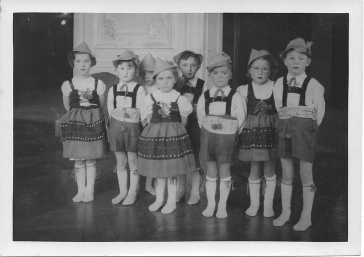 photo de classe maternelle rue du dr veron de 1951 ecole maternelle des jancelins copains d 39 avant. Black Bedroom Furniture Sets. Home Design Ideas
