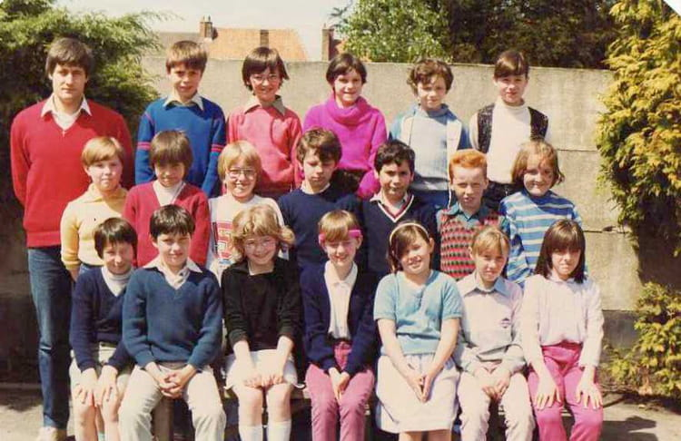 photo de classe cm1 de 1985 ecole george sand sailly sur la lys copains d 39 avant. Black Bedroom Furniture Sets. Home Design Ideas