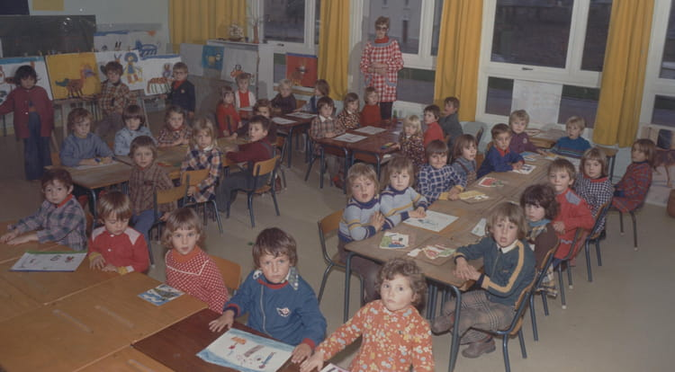 photo de classe maternelle moyenne section de 1974 ecole chaffauds redon copains d 39 avant. Black Bedroom Furniture Sets. Home Design Ideas