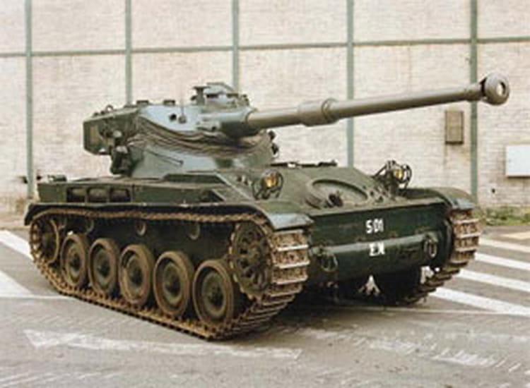 <b>AMX</b> 13/75 SS11 <b>1</b>/<b>35</b> S12 ... peinture en cours