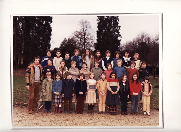 Photo de classe cm1 de 1980 ecole notre dame eurville for Eurville bienville