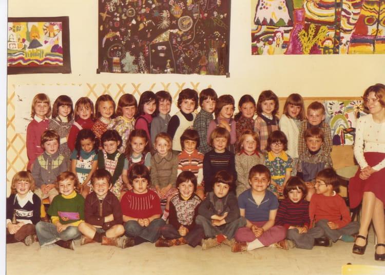 Photo de classe Maternelle, j'ai 5 ans de 1976, Ecole Ferdinand Buisson (Sainte Genevieve Des  # Auto Ecole Sainte Genevieve Des Bois