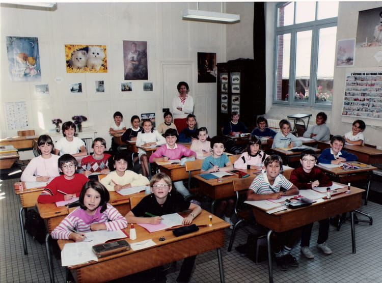 photo de classe cm1 de 1986 ecole des grands villemandeur copains d 39 avant. Black Bedroom Furniture Sets. Home Design Ideas
