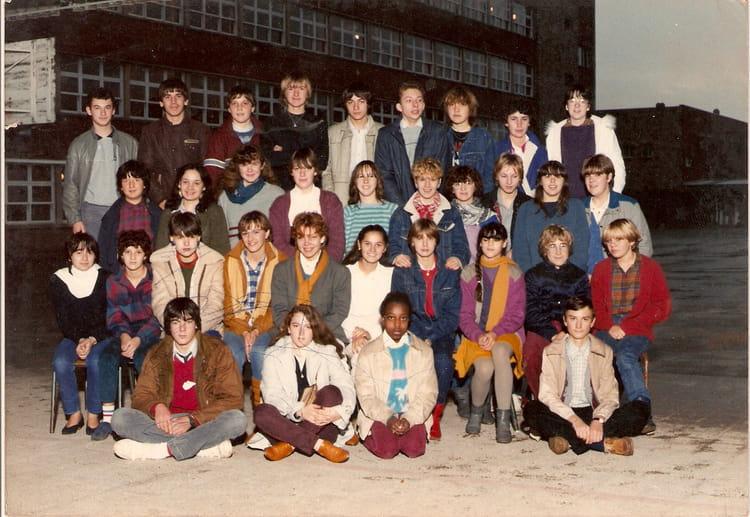 photo de classe seconde de 1983 lyc e edouard gand copains d 39 avant. Black Bedroom Furniture Sets. Home Design Ideas