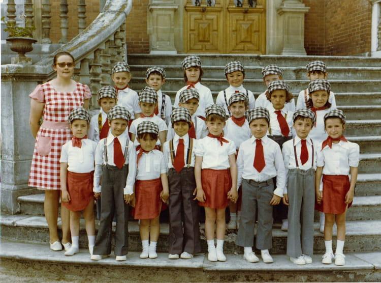 Photo de classe CP de 1975, Ecole Notre Dame (La Ville Du Bois) Copains d'avant # Ecole Notre Dame La Ville Du Bois