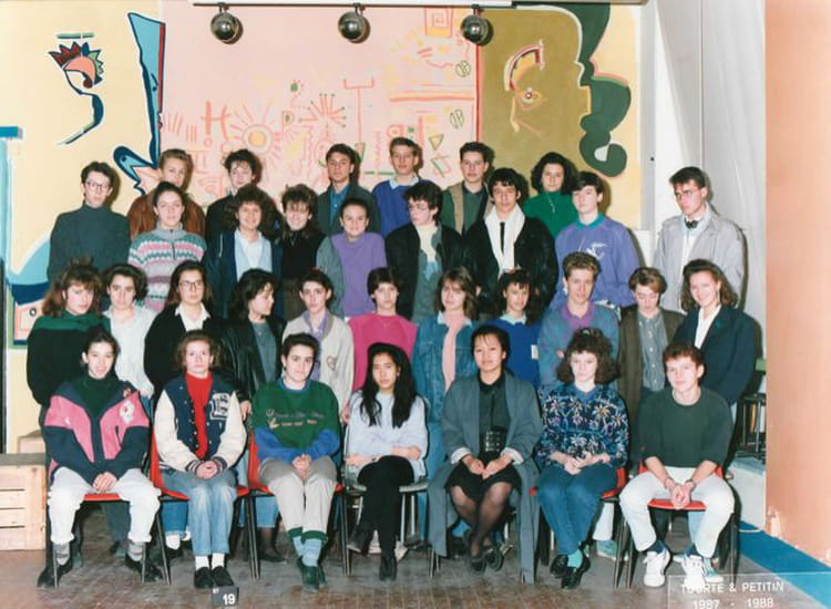 photo de classe 2de f12 de 1987 ecole boulle copains d 39 avant. Black Bedroom Furniture Sets. Home Design Ideas