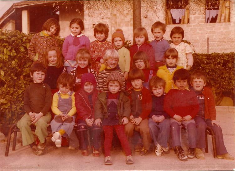 photo de classe maternelle de 1975 ecole paul jacques bonzon saint laurent en royans. Black Bedroom Furniture Sets. Home Design Ideas