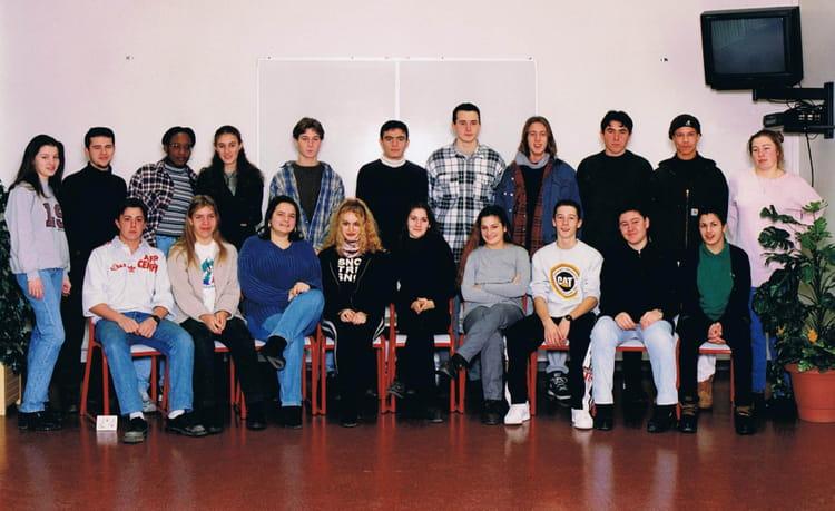 photo de classe 1 er es 1 de 1995 lyc e albert einstein copains d 39 avant. Black Bedroom Furniture Sets. Home Design Ideas