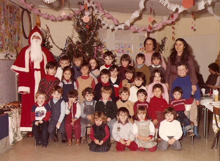 photo de classe maternelle de 1980 ecole saint james montelimar copains d 39 avant. Black Bedroom Furniture Sets. Home Design Ideas