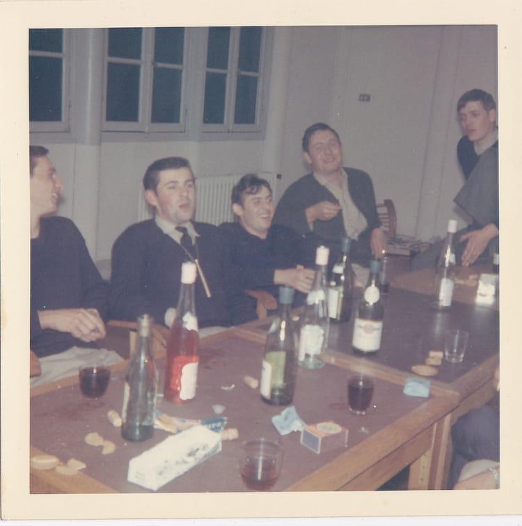 photo de classe ba 136 2 de 1969 ba 136 toul rosieres copains d 39 avant. Black Bedroom Furniture Sets. Home Design Ideas