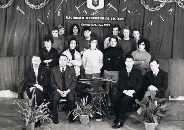 photo de classe formation lectricien de 1971 usinor trith st l ger copains d 39 avant. Black Bedroom Furniture Sets. Home Design Ideas