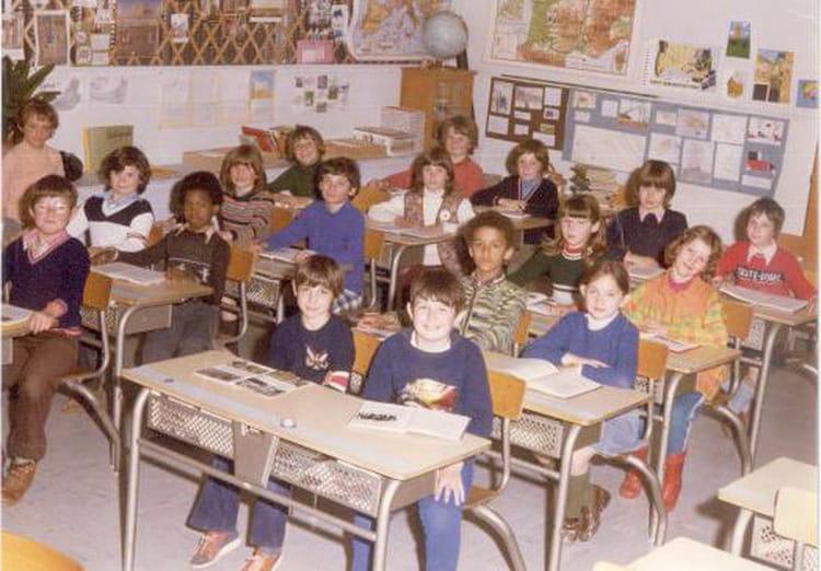 Photo de classe CM1 de 1978, Ecole Albert Aubel (Sainte Genevieve Des Bois) Copains d'avant # Auto Ecole Sainte Genevieve Des Bois