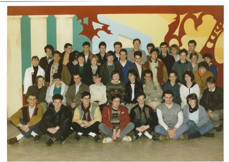 photo de classe prepa hec 1986 de 1986 lyc e louis thuillier copains d 39 avant. Black Bedroom Furniture Sets. Home Design Ideas