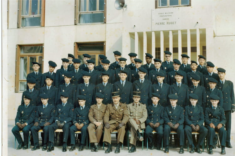 Photo de classe emp aix en provence 1966 1967 de 1966 for Ecole militaire salon de provence