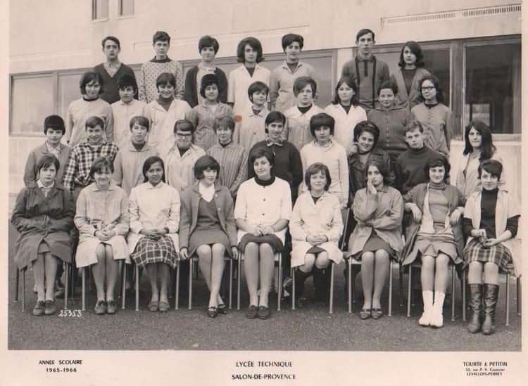 Photo de classe 1ere c de 1966 adam de craponne copains - Lycee craponne salon ...