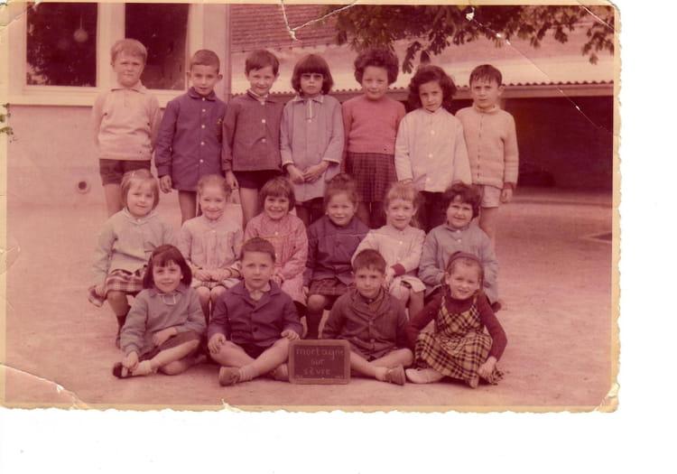 photo de classe maternelle de 1963 ecole robert desnos mortagne sur sevre copains d 39 avant. Black Bedroom Furniture Sets. Home Design Ideas