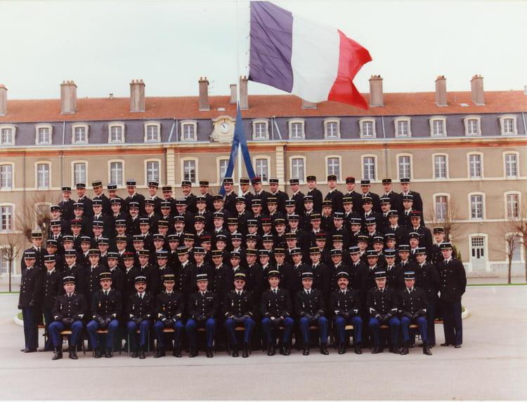 photo de classe ecole de gendarmerie chaumont 345 me stage 2 me compagnie de 1991 ecole. Black Bedroom Furniture Sets. Home Design Ideas