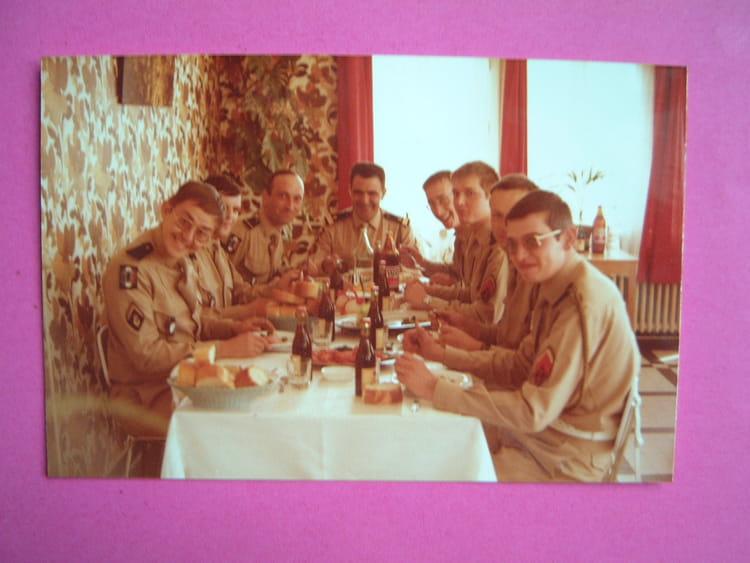 photo de classe une bonne bouffe sur la c te normande de 1978 39 me ri copains d 39 avant. Black Bedroom Furniture Sets. Home Design Ideas