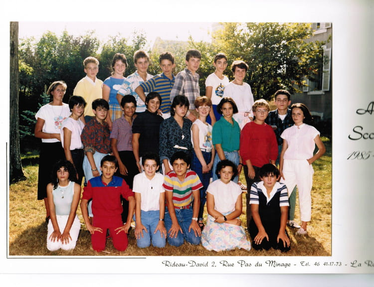 photo de classe 4eme a de 1985 coll ge du saint sacrement pensionnat du saint sacrement. Black Bedroom Furniture Sets. Home Design Ideas