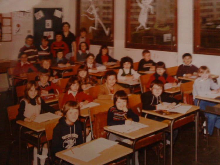 photo de classe ce2 de 1979 ecole arthur fleury gonfreville l orcher copains d 39 avant. Black Bedroom Furniture Sets. Home Design Ideas