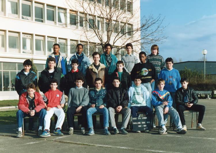 Photo de classe 4 T 2 de 1987, Lycée Professionnel Claude  ~ Lycee Claude Nicolas Ledoux Pavillon Sous Bois