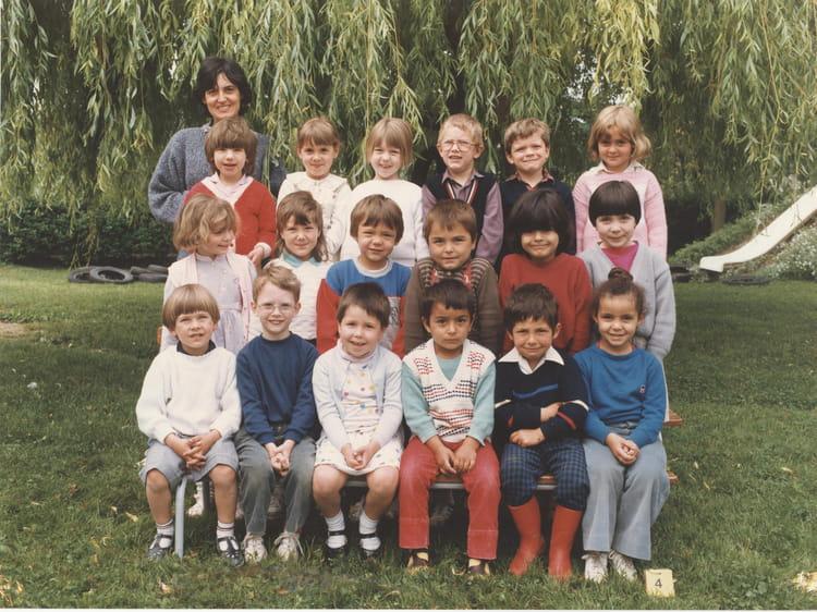 photo de classe 1987 maternelle de 1987 ecole jean mace villeneuve saint germain copains. Black Bedroom Furniture Sets. Home Design Ideas