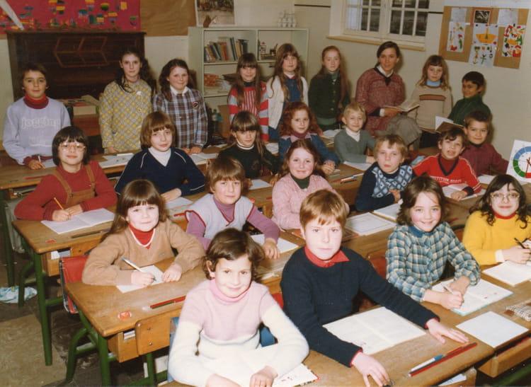 photo de classe classe ce1 de 1980 ecole de la mairie faverolles sur cher copains d 39 avant. Black Bedroom Furniture Sets. Home Design Ideas