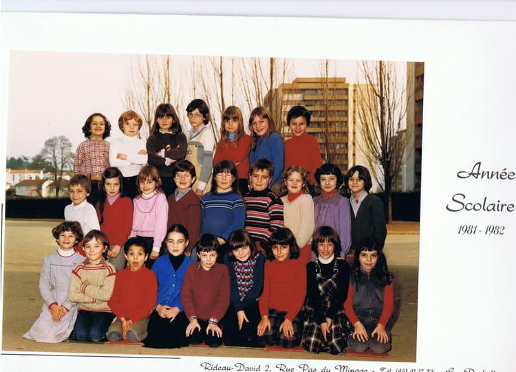 Photo de classe ce1 les pyramides de 1981 ecole les - Cours cuisine la roche sur yon ...
