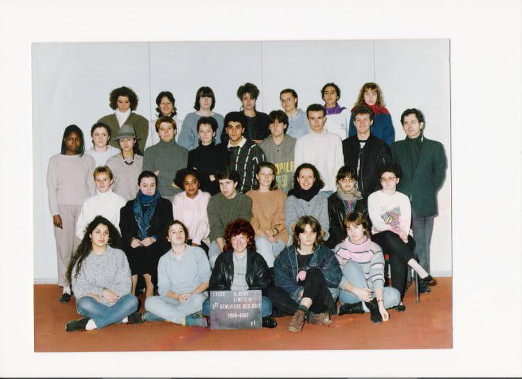 photo de classe terminale a2 de 1987 lyc e albert einstein copains d 39 avant. Black Bedroom Furniture Sets. Home Design Ideas