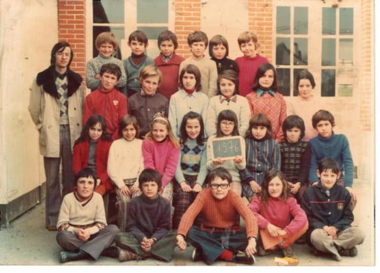 photo de classe cm2 de 1976 ecole primaire breal sous montfort copains d 39 avant. Black Bedroom Furniture Sets. Home Design Ideas