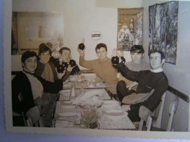 Photo de classe terminale t ti et autres de 1968 lyc e for Diner entre copains