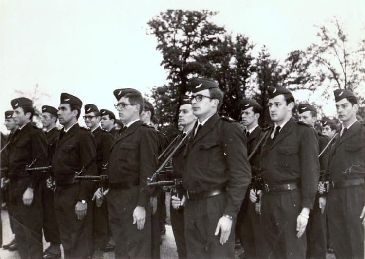 photo de classe armee de 1968 ba 136 toul rosieres copains d 39 avant. Black Bedroom Furniture Sets. Home Design Ideas