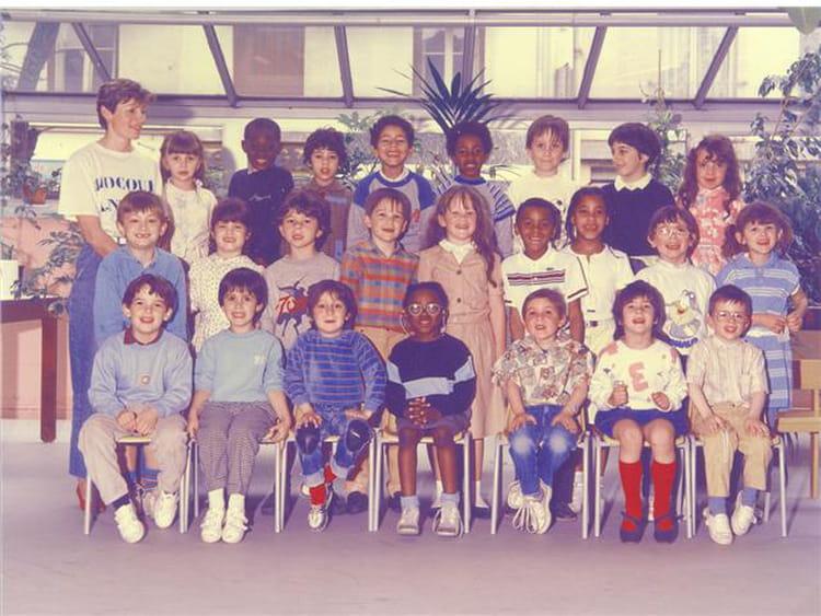 photo de classe classe 1 de 1986 ecole du point du jour copains d 39 avant. Black Bedroom Furniture Sets. Home Design Ideas