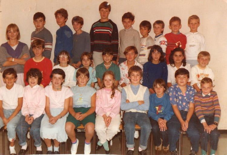 photo de classe classe de miss colin de 1985 ecole jean zay villeneuve saint germain. Black Bedroom Furniture Sets. Home Design Ideas