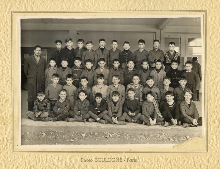 Photo de classe Ce de 1957, Ecole Romain Rolland (Sainte Genevieve Des Bois) Copains d'avant # Auto Ecole Sainte Genevieve Des Bois