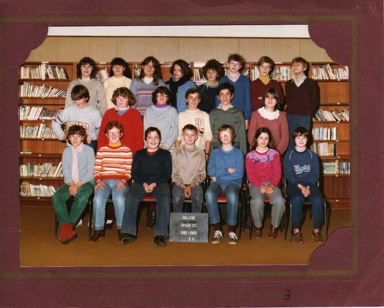 photo de classe 5eme 4 de 1982 coll ge l 39 oiseau blanc copains d 39 avant. Black Bedroom Furniture Sets. Home Design Ideas