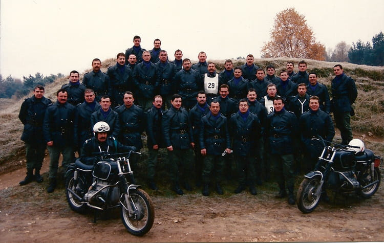 photo de classe recyclage moto 1989 de 1989 centre national formation gendarmerie cnfpj. Black Bedroom Furniture Sets. Home Design Ideas