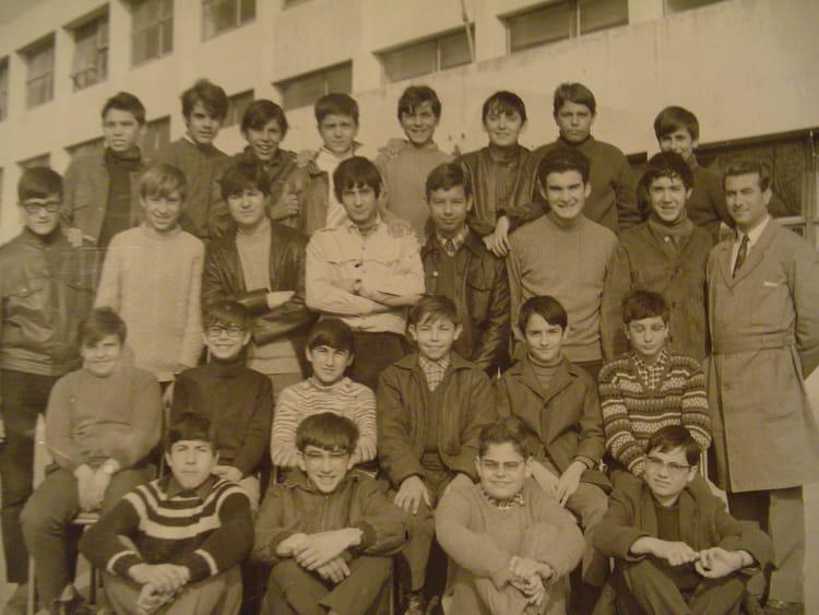 photo de classe joliot curie port de bouc 4eb 1968 de 1968 joliot curie copains d avant