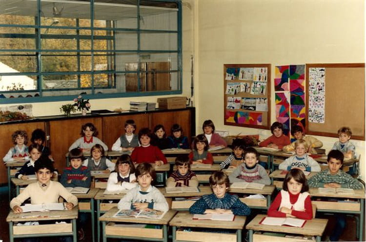 photo de classe ce2 de 1983 ecole paul vaillant couturier mixte 1 copains d 39 avant. Black Bedroom Furniture Sets. Home Design Ideas
