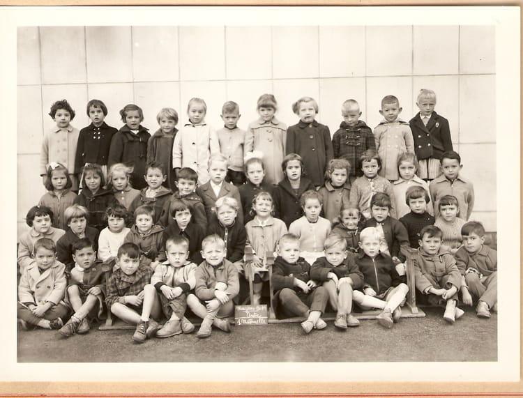 photo de classe maternelle centre de 1958 ecole victor hugo maizieres les metz copains d 39 avant. Black Bedroom Furniture Sets. Home Design Ideas